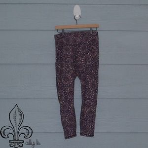 🎆Fabletics purple geo print legging🎆